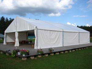 sia-teltis-pasakumiem-liela-telts-angars-022.JPG