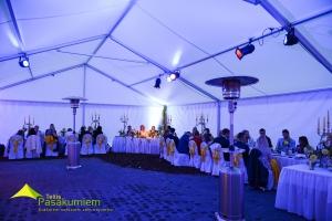 sia-teltis-pasakumiem-liela-telts-angars-035-iekspuse-kazas.jpg