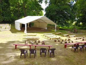sia-teltis-pasakumiem-liela-telts-angars-040.JPG