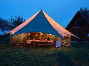 sia-teltis-pasakumiem-papildaprikojums-teltim-apgaismojums-led-dienas-gaismas-lampas-002a.JPG