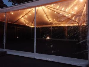 sia-teltis-pasakumiem-papildaprikojums-led-spuldzu-virtenes-008.jpg