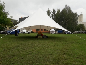 sia-teltis-pasakumiem-telts-balta-zvaigzne-004.jpg