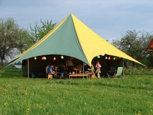 sia-teltis-pasakumiem-telts-zvaigzne-017.jpg